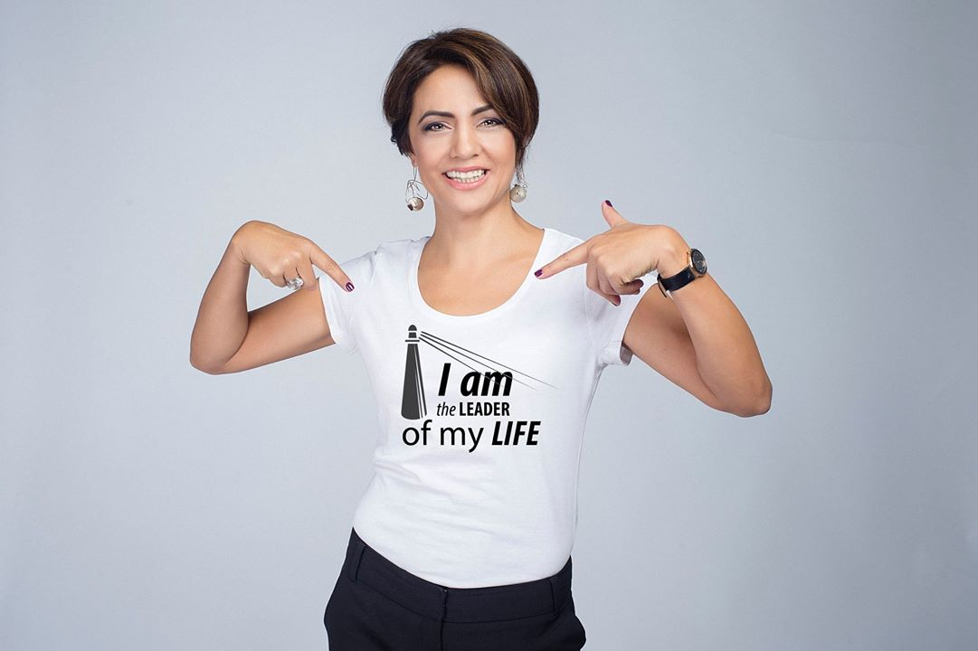 tricou-i-am-the-leader-of-my-life-amalia-sterescu